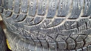 4 pneus d'hiver 195/60/14 Pirelli Winter Carving