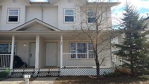 2 BEDROOMS TOWN HOUSE AVAILABLE FOR RENT MAY-26 IN TIMBERLEA
