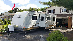 31' Keystone Laredo Superlight travel trailer w bunks, 2 slides