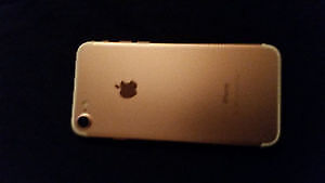 Rose Gold iPhone 7 32gb Like new