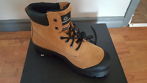New men's saftey work boots size 12