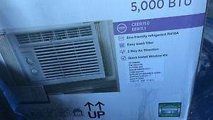 WINDOW AC FOR SALE-WORKS VERY WELL ONLY USED FOR ONE MONTH