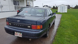 1993 Toyota Camry Sedan parts or fix.