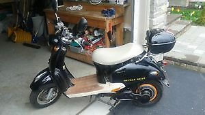 DAYMAK GOTTO MOPED