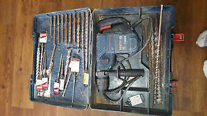 Bosch hammer drill SDS plus with extras