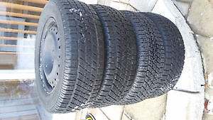 Set of 4 GENERAL winter tires with rims( 225 70 16)