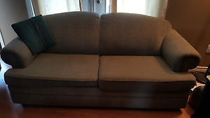 Good Quality Pull-Out Couch with Memory-Foam