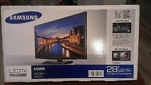 "28""LED SAMSUNG TV NEW IN BOX"