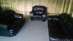 BLACK LEATHER COUCH, LOVE SEAT & CHAIR. FREE DELIVERY