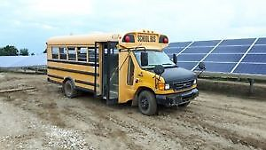 2003 ford e450 7.3l Short Bus for Conversion