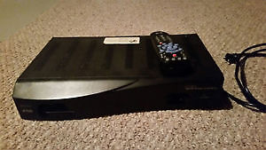 2 BELL EXPRESSVU SATELLITE RECEIVERS