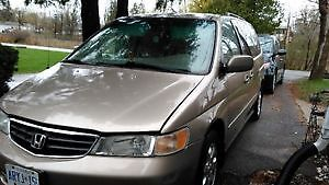 2003 Honda Odyssey EX-L Minivan. Leather! Safety and Etested!