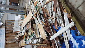 Free Scrap/fire wood (old fence)