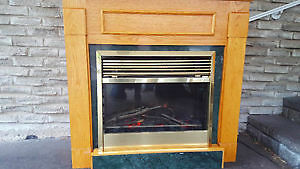 Dimplex Electric Fireplace with Oak Mantle $200