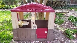 I AM LOOKING FOR A STEP 2 PLAYHOUSE