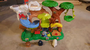 Like New Fisher Price Little People Zoo