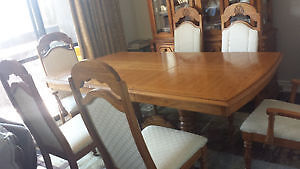 SOLID WOOD MADE IN CANADA DINING TABLE