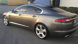 2009 Jaguar XF SUPERCHARGED Full Load! Gps, Back up cam. 440hp!