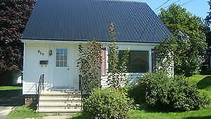 5-6 bedroom house for rent, minutes walk to UNB/STU Avail Sept 1