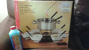 New in box stainless steel fondue set with gel fuel
