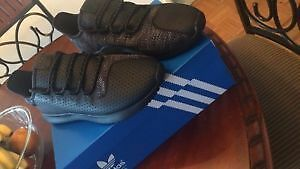 Adidas Tubular Shadows Size 9 BRAND NEW
