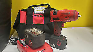 impact wrench de marque SNAP-ON a batterie