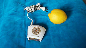 Like new antique vintage portable electric razor