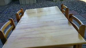 Dinnig Table with 4 chairs