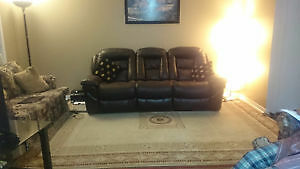 Selling a 3 seater recliner sofa from bricks