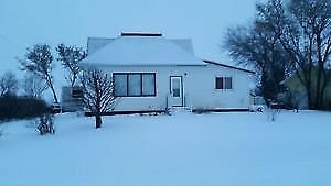 WARM AND COSY 3 BDR FURNISHED HOME IN NAKOMIS SASK.