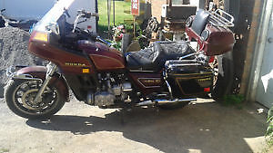 MUST SELL DO NOT RIDE   goldwing gl1100 aspencade