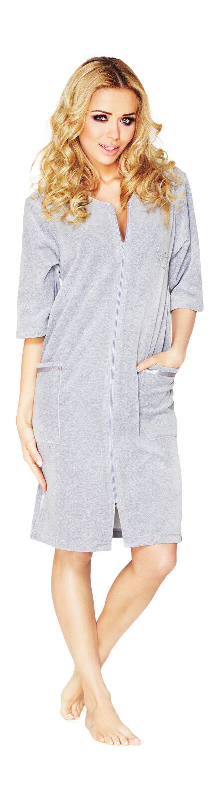 Chase away chills with our selection of women's robes and bed jackets featuring quality fabrics. You'll find housecoats and bathrobes for women in cozy flannel, cool cotton, and breathable blends, because every season has its chilly moments.