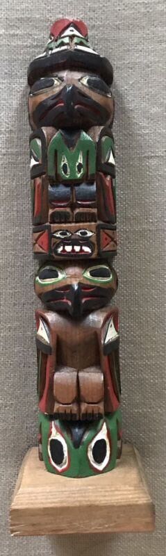 HAND CARVED AND PAINTED TOTEM POLE BY BARB WILLIAMS SIGNED EXCELLENT CONDITION