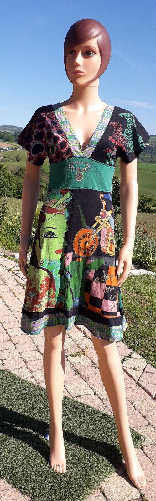 Très jolie robe colorée desigual taille xs