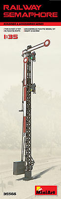 MINIART 35566 Railway Semaphore / Eisenbahn Signale in 1:35