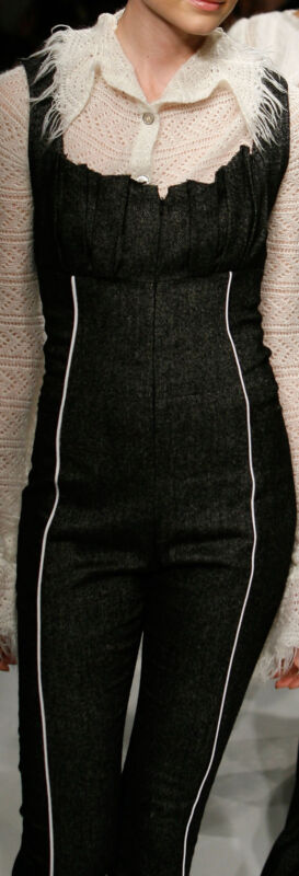 W-973250 Exquisite Italian Herringbone Wool / Linen Fabric per Yard