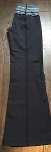 Lululemon dark blue groove pants size 6