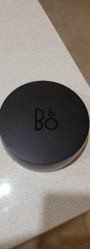 Bang and Olufsen B&O S8 Hub