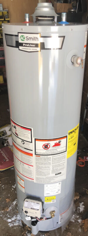 AO Smith  Proliner ( BRAND NEW )30 Gallon Gas Water Heater Never Installed