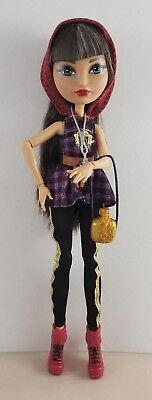 New Ever After High TriCastleOn Cerise Hood Doll & Outfit Tri Castle On
