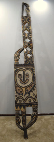 Papua New Guinea Old Carved Men