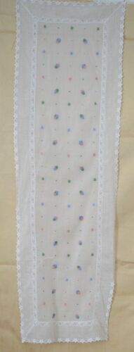 SWEET VINTAGE ORGANDY RUNNER WITH EMBROIDERED FLOWERS TT49