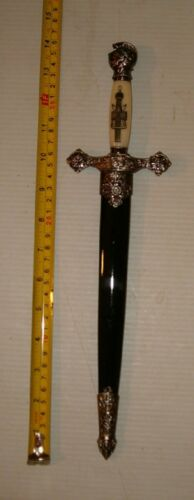 VERY DETAILED  MEDIEVAL KNIGHTS DAGGER KNIFE WITH SHEATH ,  FREE SHIPPING !!!