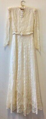 Vintage Bridal (Vintage 1930s Ivory Lace Wedding Dress - Beautiful Wreck)