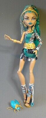 Monster High Nefera de Nile with Pet Scarab  First Wave 1st Issue Adult Owned