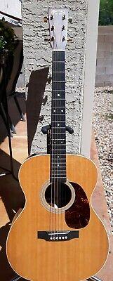 MARTIN OOO-MMV ACOUSTIC GUITAR, AUDITORIUM SHAPE Martin Acoustic Guitar