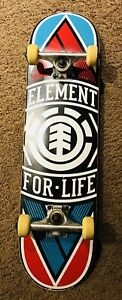 ELEMENT SKATE BOARD     ** GREAT CONDITION**
