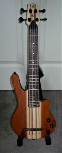 Mahalo Short Scale Electric Bass Ukulele MEB1TBR