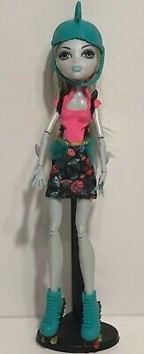 2008 Mattel Monster High Skultimate Roller Maze Lagoona Toy Girl Doll w/ Clothes
