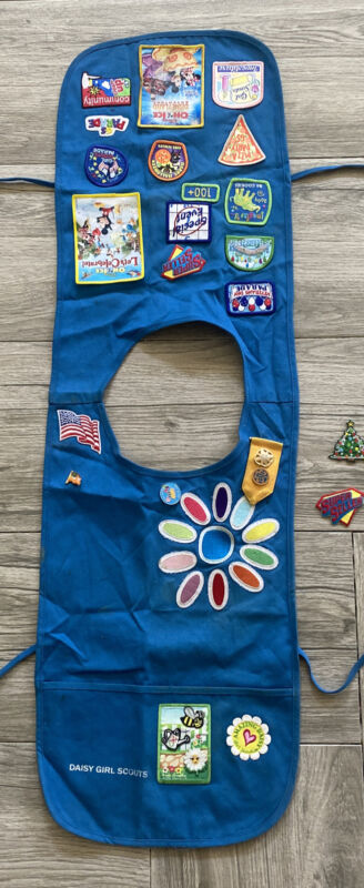 Girl Scout Daisy Blue Official Uniform Tunic Vest Smock Pins & Patches Size 6/7